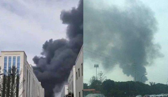 马桥经编园区一厂发生火灾,现场浓烟滚滚